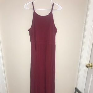 Garnet maxi dress with flare bottom no stains